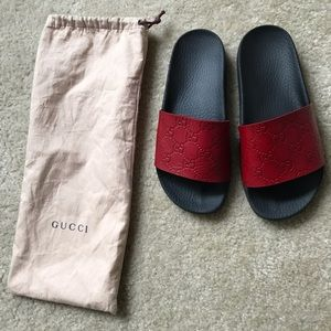 GUCCI GG Supreme Red Sandal Slides (authentic)